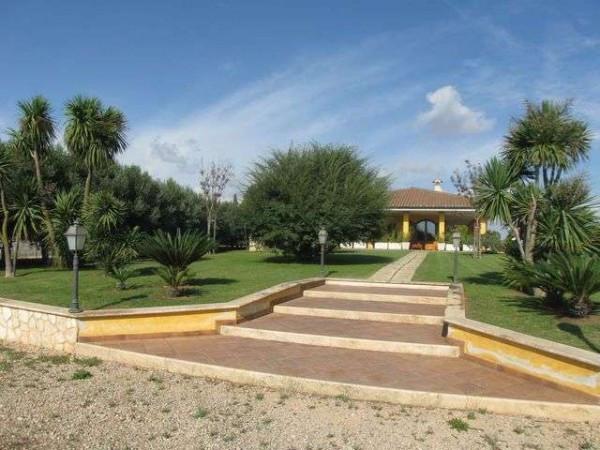 Villa in vendita a Latina, 5 locali, prezzo € 550.000 | CambioCasa.it