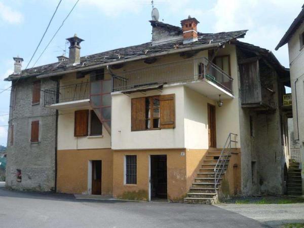 Casa indipendente in Vendita a Trausella Centro: 4 locali, 100 mq