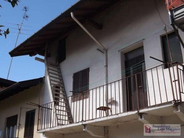 Appartamento in vendita a Taino, 3 locali, prezzo € 55.000 | Cambio Casa.it