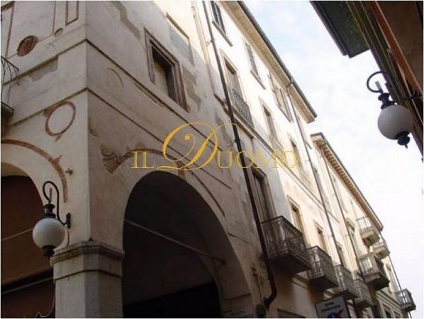 Bilocale Novara Via Rosselli 2