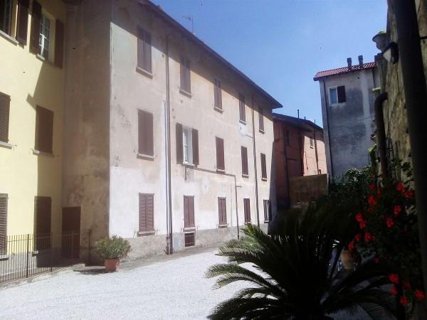 Appartamento in affitto a Pescate, 3 locali, prezzo € 600   Cambiocasa.it