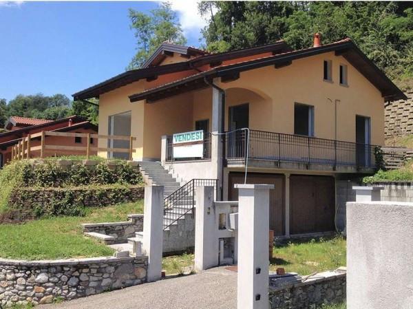 Villa in vendita a Laveno-Mombello, 6 locali, prezzo € 480.000 | Cambio Casa.it