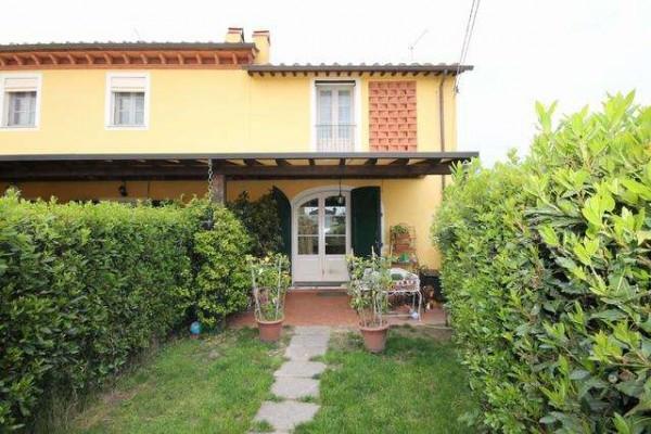 Casa indipendente in Vendita a Lucca Periferia Est: 5 locali, 110 mq