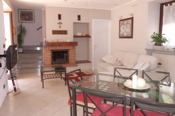 Soluzione Indipendente in vendita a Bra, 3 locali, prezzo € 165.000 | Cambio Casa.it