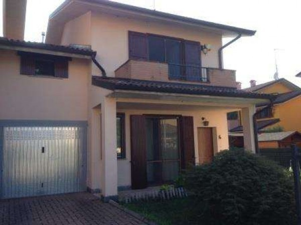 Villa in vendita a Mairago, 4 locali, prezzo € 210.000 | Cambio Casa.it