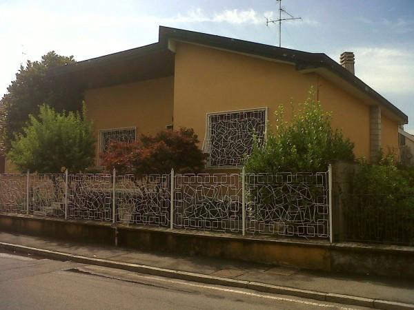 Villa in vendita a Pioltello, 4 locali, prezzo € 320.000 | Cambio Casa.it