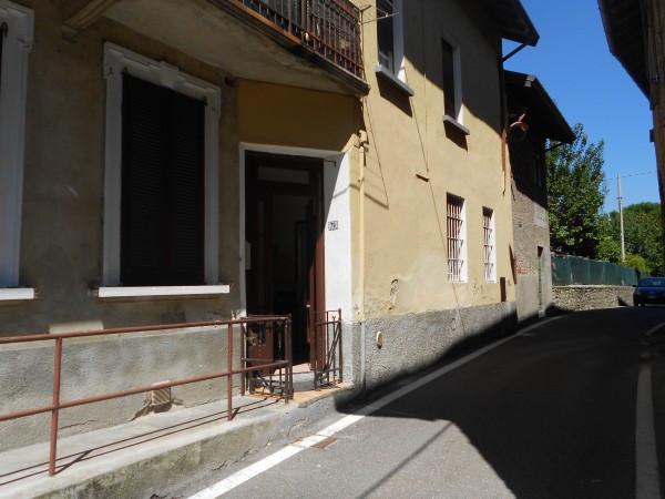 Appartamento in vendita a Travedona-Monate, 2 locali, prezzo € 40.000 | Cambio Casa.it