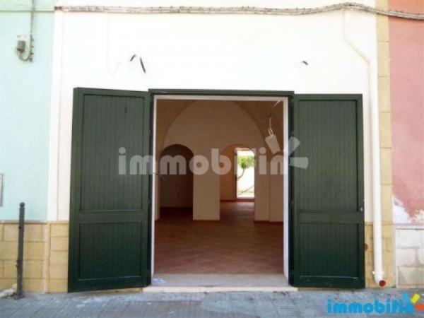 Ufficio / Studio in affitto a Oria, 4 locali, prezzo € 600 | Cambio Casa.it