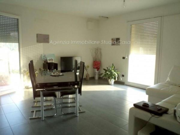 Appartamento in vendita a San Giovanni in Marignano, 3 locali, prezzo € 245.000 | CambioCasa.it
