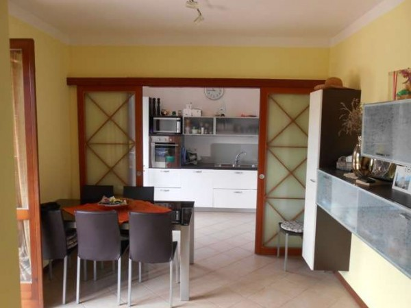 Villa a Schiera in vendita a Sale Marasino, 4 locali, prezzo € 275.000   Cambio Casa.it