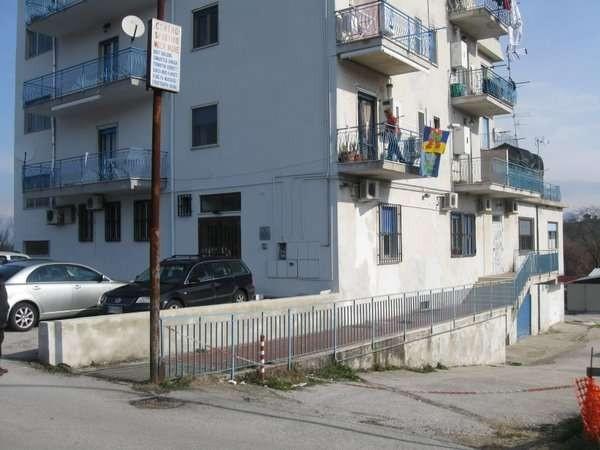 Ufficio / Studio in vendita a Caiazzo, 6 locali, prezzo € 135.000 | Cambio Casa.it