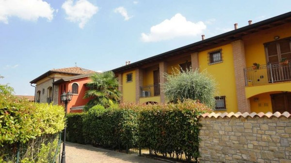 Appartamento in vendita a Roncello, 2 locali, prezzo € 98.000 | Cambio Casa.it