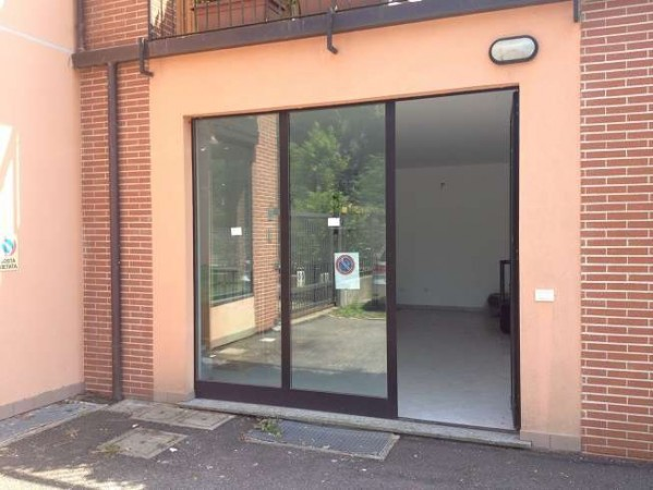 Negozio / Locale in vendita a Galliate Lombardo, 3 locali, prezzo € 150.000 | Cambio Casa.it