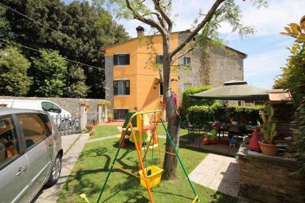 Casa indipendente in Vendita a Capannori Periferia Est: 4 locali, 100 mq