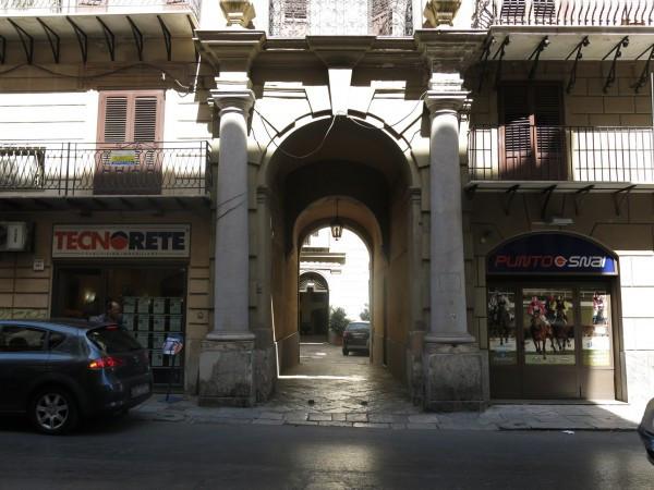 Bilocale Palermo Corso Vittorio Emanuele 3
