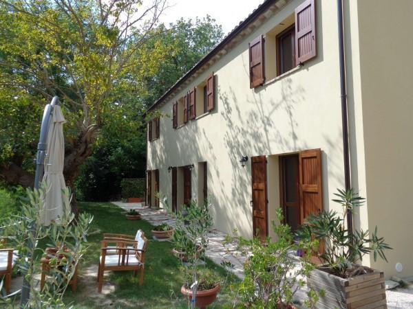 Villa in vendita a Mombaroccio, 5 locali, prezzo € 375.000 | Cambio Casa.it