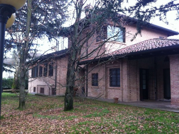 Villa in vendita a Torre d'Isola, 6 locali, prezzo € 2.000.000 | Cambio Casa.it