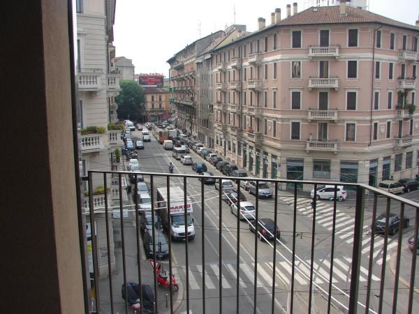 Bilocale Milano Via Giulio Cesare Procaccini 5