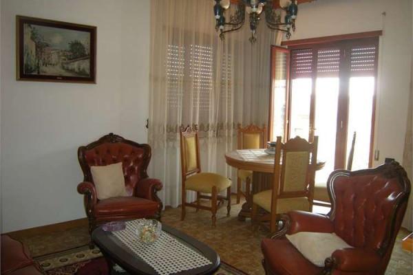 Appartamento in vendita a Formia, 3 locali, prezzo € 240.000 | Cambio Casa.it
