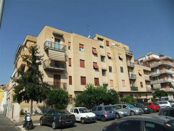 Appartamento in vendita a Roma, 3 locali, zona Zona: 11 . Centocelle - Alessandrino, prezzo € 198.000 | Cambiocasa.it