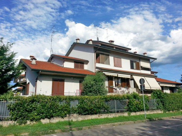 Villa a Schiera in affitto a Bareggio, 6 locali, prezzo € 800 | Cambio Casa.it