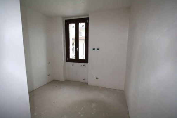 Bilocale Villa Guardia Via Arno 1