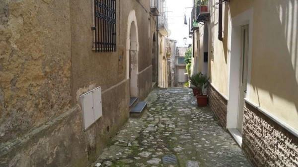 Appartamento in vendita a Caiazzo, 3 locali, prezzo € 38.000 | CambioCasa.it