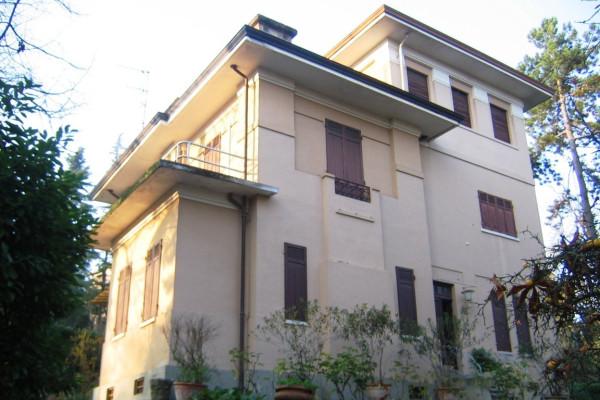 Villa in vendita a Salsomaggiore Terme, 6 locali, prezzo € 430.000 | Cambio Casa.it