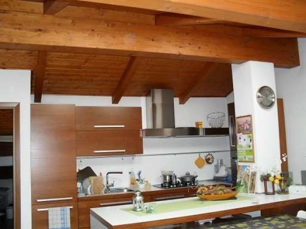 Appartamento in vendita a Carugate, 3 locali, prezzo € 175.000 | Cambiocasa.it