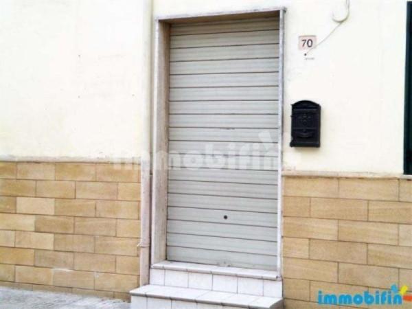 Ufficio / Studio in affitto a Oria, 2 locali, prezzo € 250 | Cambio Casa.it