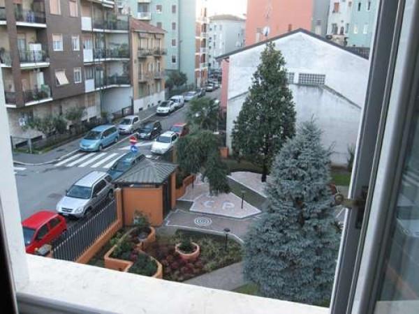 Bilocale Sesto San Giovanni Via Vincenzo Monti 5