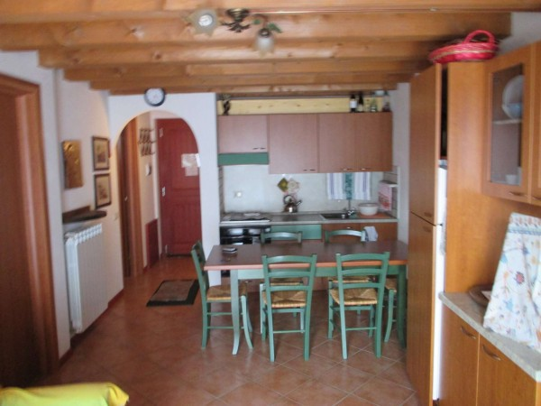Appartamento in vendita a Vezza d'Oglio, 3 locali, prezzo € 139.000 | Cambio Casa.it