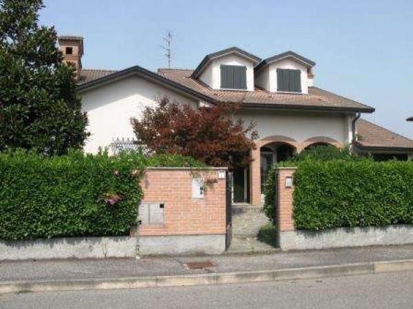 Villa in vendita a Castiraga Vidardo, 6 locali, prezzo € 395.000 | Cambio Casa.it