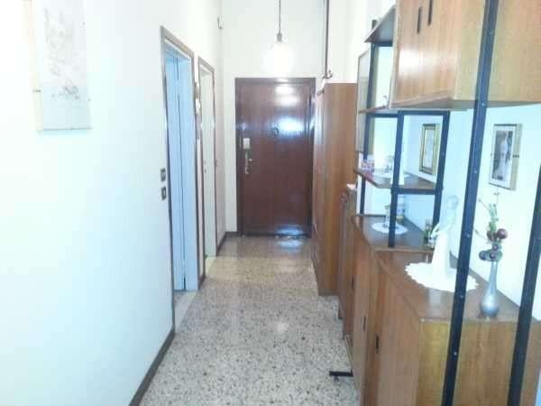 Appartamento in vendita a Bareggio, 3 locali, prezzo € 75.000 | Cambio Casa.it