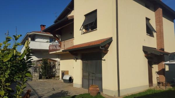 Villa in vendita a Fenegrò, 4 locali, prezzo € 220.000 | Cambio Casa.it