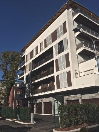 Bilocale Milano Via Luciano Zuccoli 4