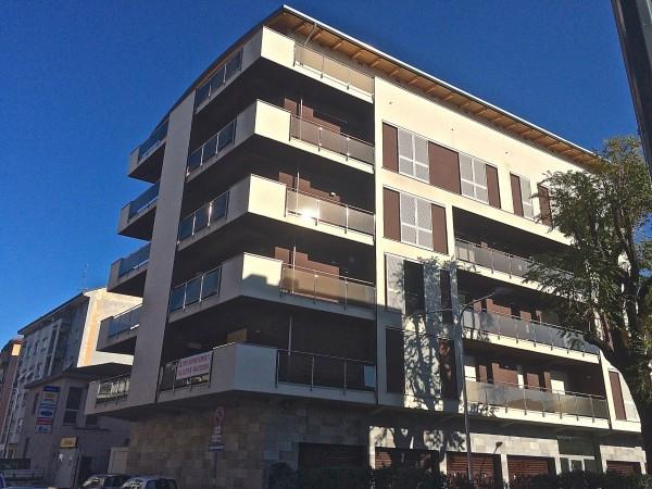 Bilocale Milano Via Luciano Zuccoli 5