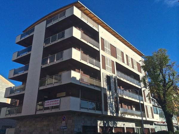 Bilocale Milano Via Luciano Zuccoli 6