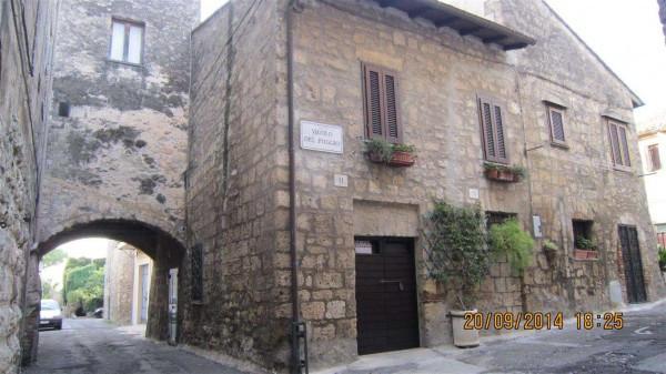 Soluzione Indipendente in vendita a Tarquinia, 6 locali, Trattative riservate | Cambio Casa.it