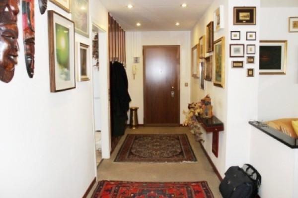Appartamento in vendita a Busto Arsizio, 4 locali, prezzo € 290.000 | Cambio Casa.it