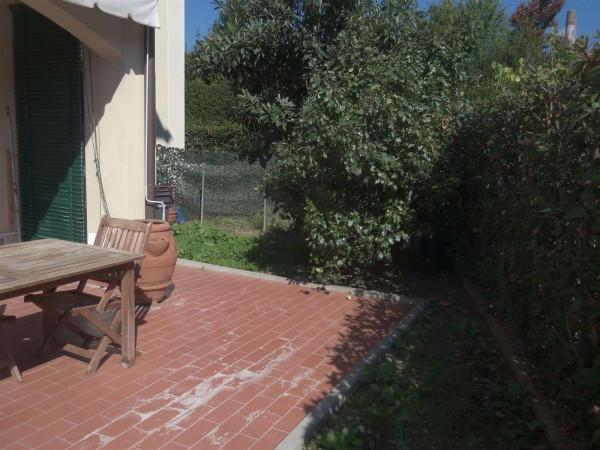 Bilocale Lucca Via Dell'acquacalda 7