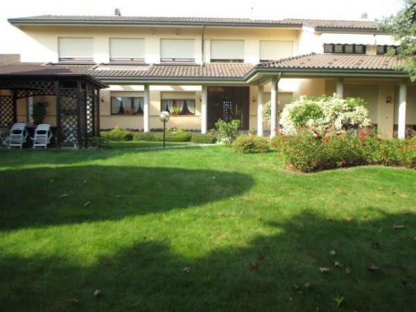 Villa in vendita a Beinette, 6 locali, Trattative riservate | CambioCasa.it