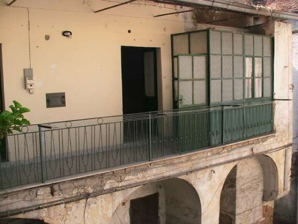Appartamento in vendita a Acerra, 2 locali, prezzo € 37.000   Cambiocasa.it