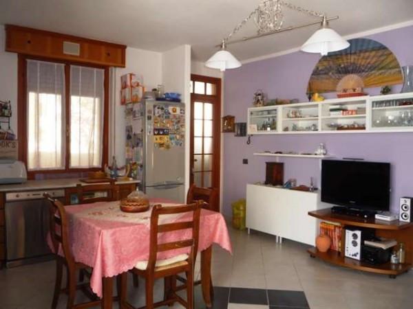 Appartamento in vendita a Asso, 3 locali, prezzo € 90.000 | Cambio Casa.it