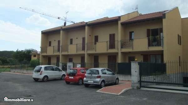 Bilocale Varallo Pombia Via Carlo Levi 2