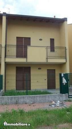 Bilocale Varallo Pombia Via Carlo Levi 6