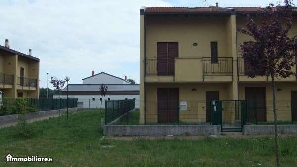 Bilocale Varallo Pombia Via Carlo Levi 7