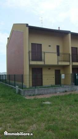 Bilocale Varallo Pombia Via Carlo Levi 8