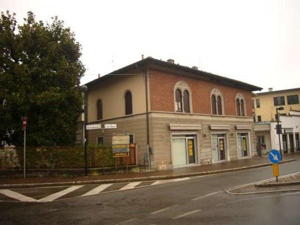 Appartamento in vendita a Cantù, 3 locali, prezzo € 178.000 | Cambiocasa.it