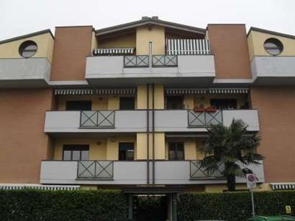 Appartamento in vendita a Carugate, 3 locali, prezzo € 220.000 | Cambiocasa.it